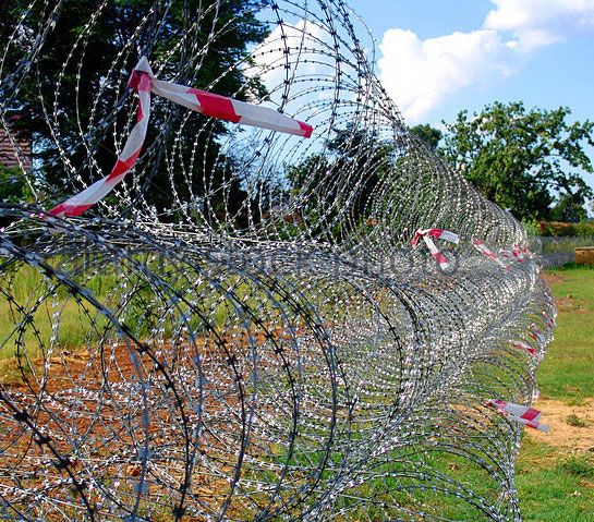 Mobile Razor Wire Security Barrier--Rapid deployment - Anbao ...